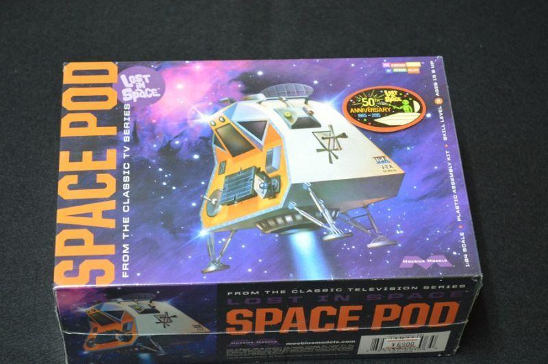 画像1: 1/24 LOST IN SPACE SPACE POD
