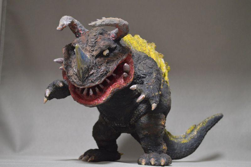 画像1: 透明怪獣ネロンガ